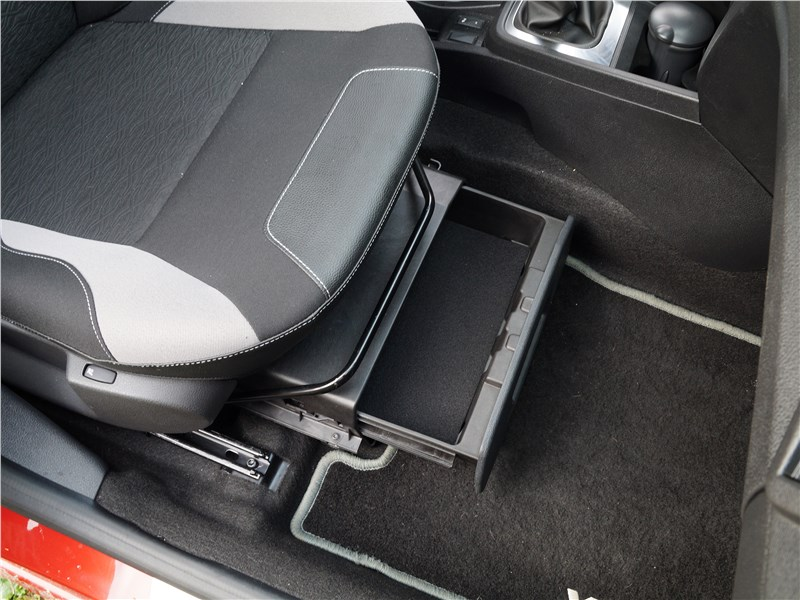 Lada XRay 2015 переднее кресло