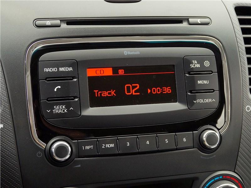 Kia Cerato 2016 дисплей