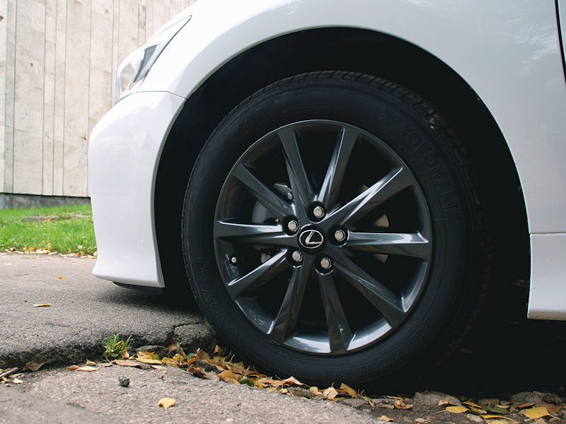 Lexus CT 200h 2011 колесо