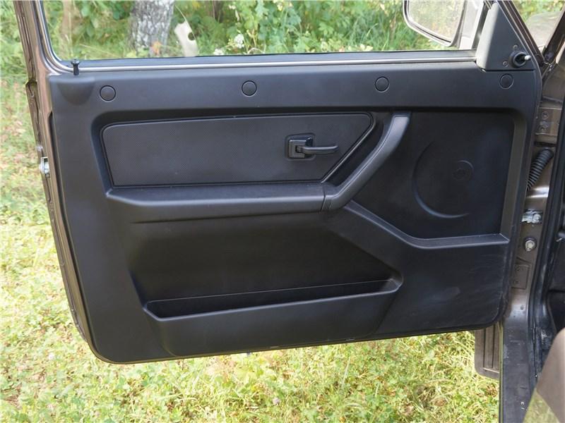 Lada 4x4 2017 дверь