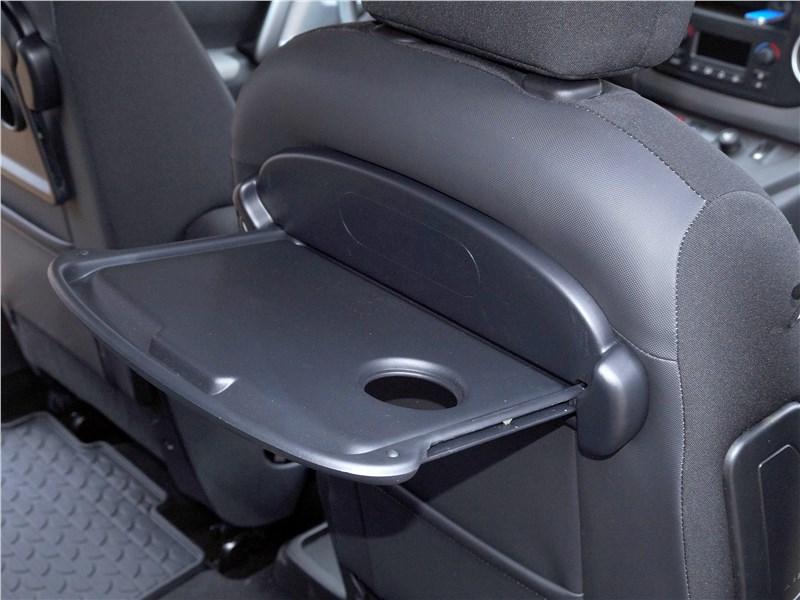 Peugeot Partner Tepee 2016 передние кресла