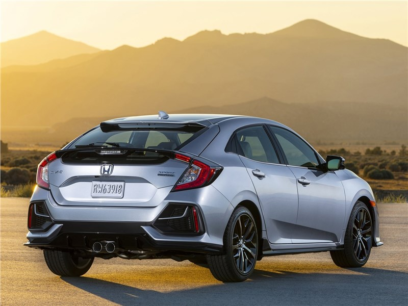 Honda Civic Hatchback 2020 вид сзади