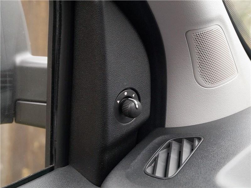 Fiat Doblo 2015 передняя стойка