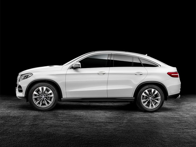 Mercedes-Benz GLE Coupe 2016 вид боку