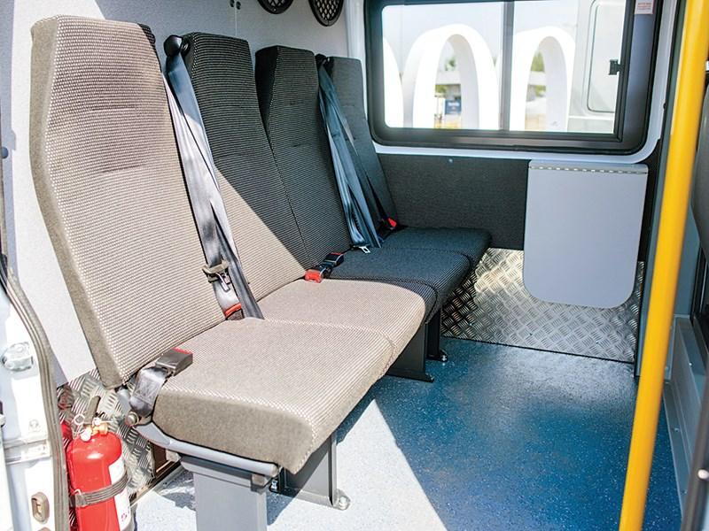 Mercedes-Benz Sprinter Classic Mixto 2015 места для пассажиров