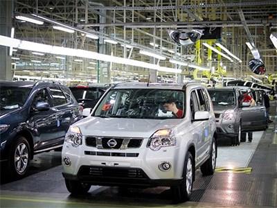 Мощность производства автомобилей в Петербурге упала более, чем на четверть