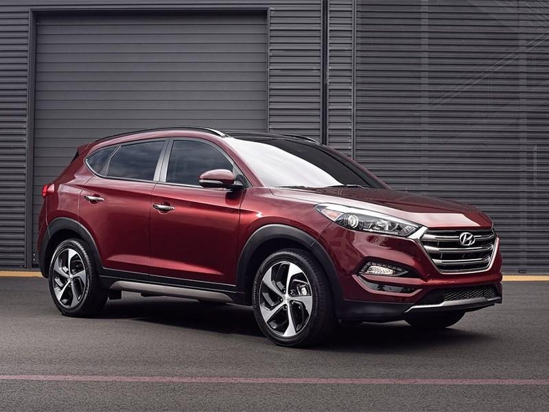 Hyundai Tucson 2016 вид спереди сбоку
