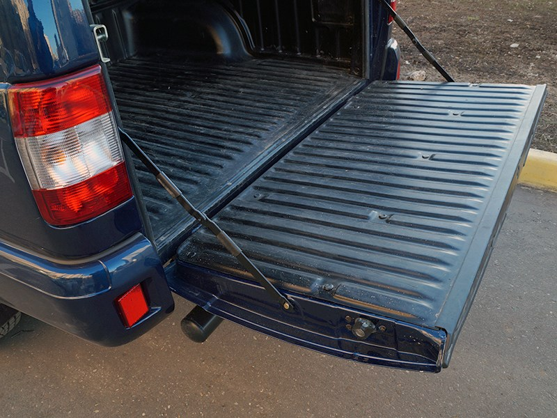 UAZ Pickup 2014 задний борт
