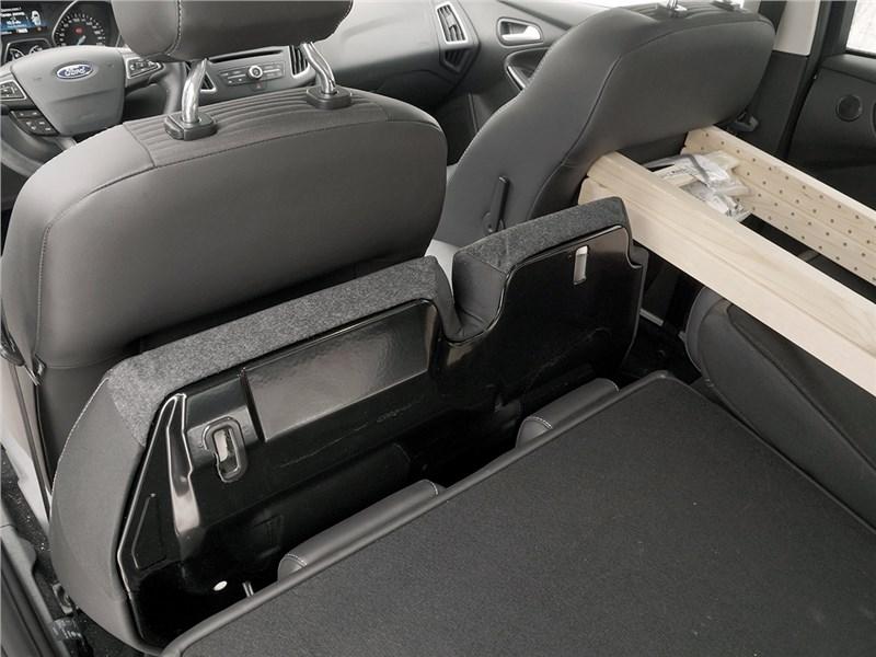 Ford Focus 2014 багажное отделение