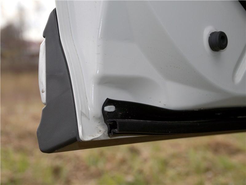 Mitsubishi Outlander 2016 дверь