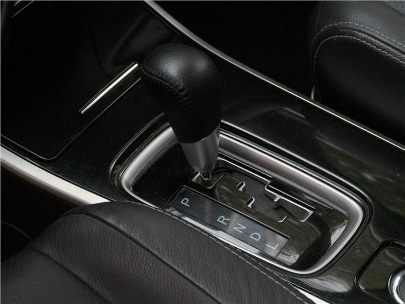 Mitsubishi Outlander 2016 вариатор