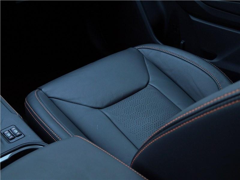 Subaru XV 2018 передние кресла