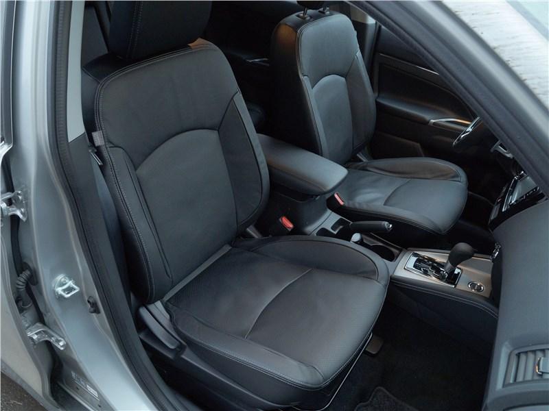 Mitsubishi ASX 2017 передние кресла