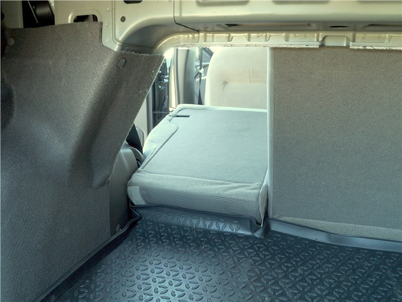 Ravon R4 2016 багажное отделение