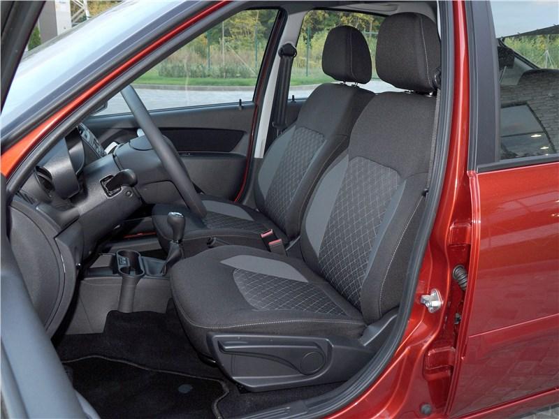 Lada Granta 2019 передние кресла