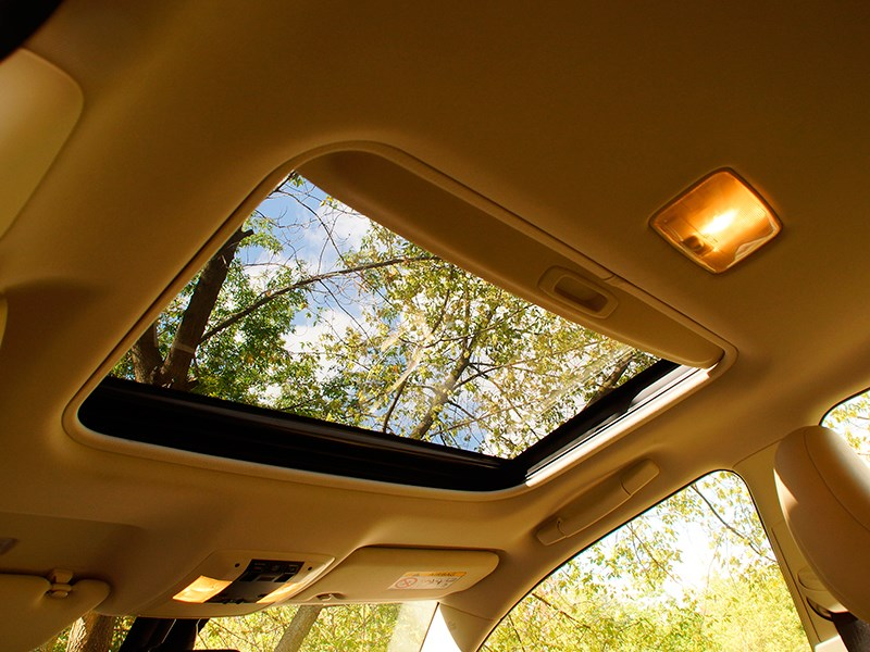 Lexus CT 200h 2014 люк в крыше