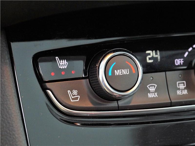 Opel Grandland X 2018 климат-контроль