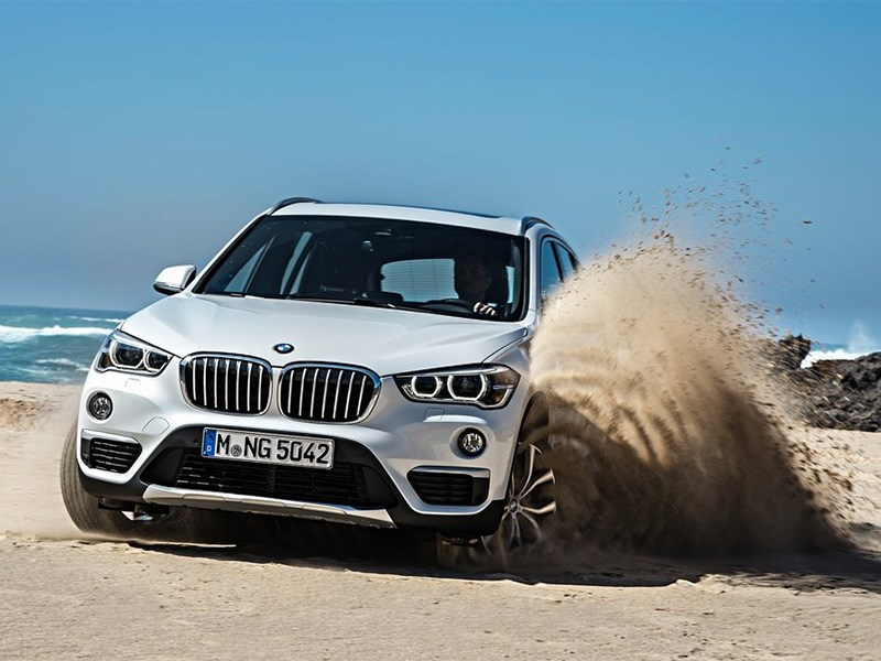 BMW X1 2016 вид спереди