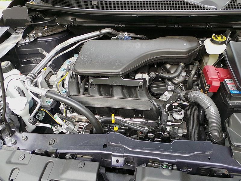Nissan Qashqai 2014 моторный отсек