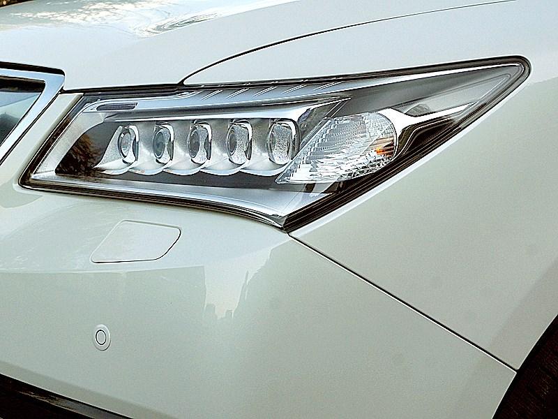Acura MDX 2014 передняя фара