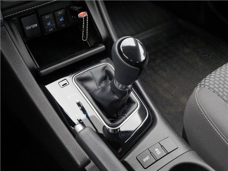 Toyota Corolla 2017 селектор вариатора