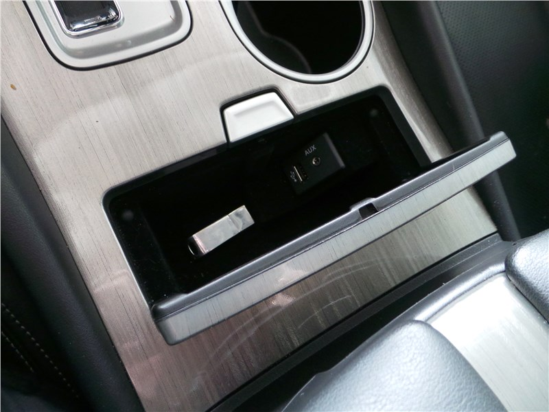 Nissan Murano 2016 разъем USB