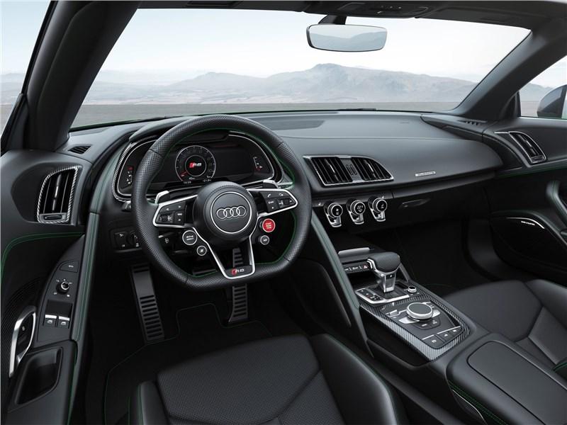 Audi R8 Spyder 2018 салон