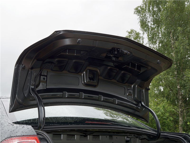 Ravon R4 2016 крышка багажника