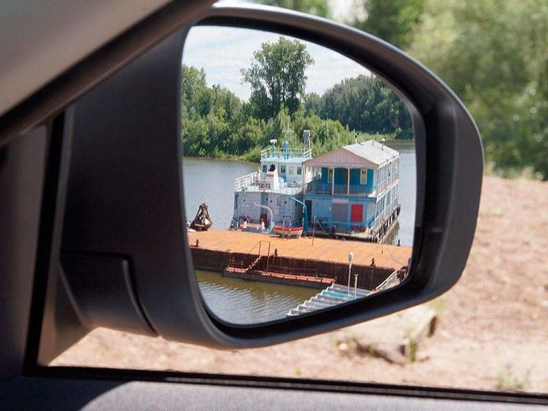 Nissan Almera 2014 боковое зеркало