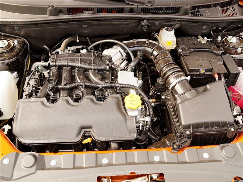 Lada Granta Cross 2019 моторный отсек