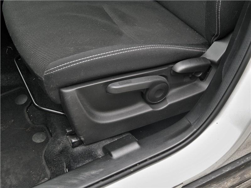 Suzuki SX4 2016 передние кресла
