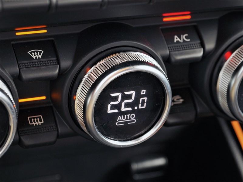 Renault Duster (2021) управление климатом