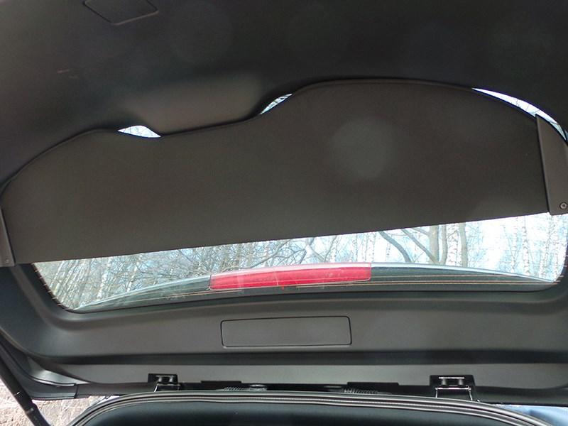 Infiniti QX70 2015 шторка-экран на пятой двери