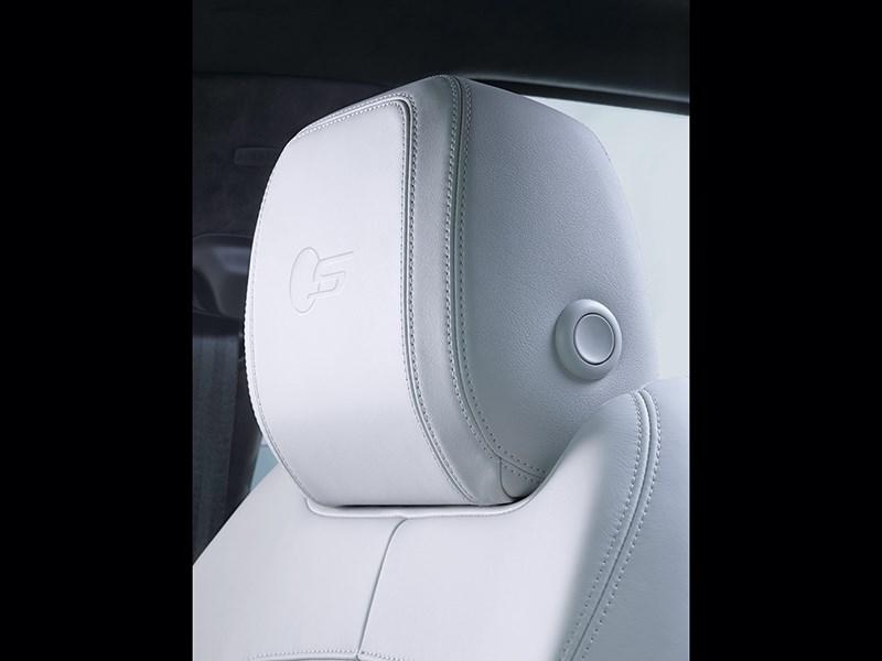 Jaguar F-Pace 2016 подголовник