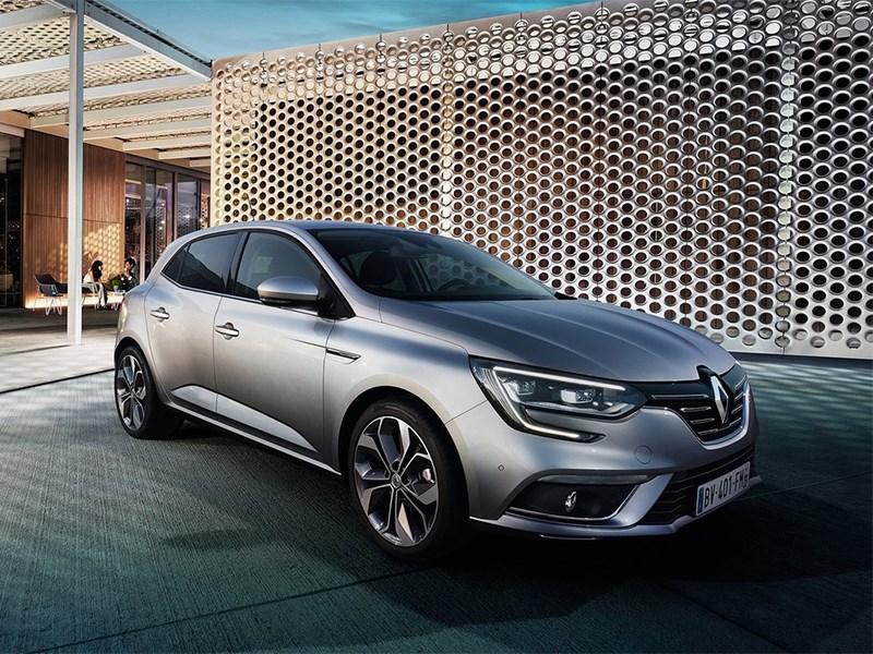 Renault Megane 2016 вид спереди сбоку