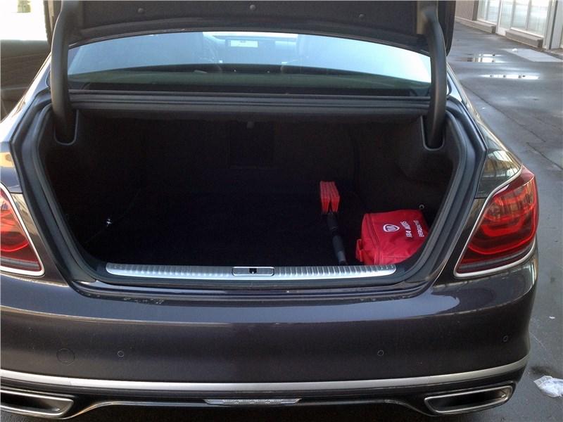 Kia K900 2019 багажное отделение