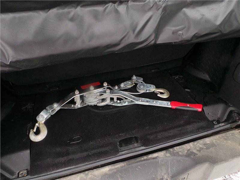 Jeep Wrangler 2007 багажное отделение