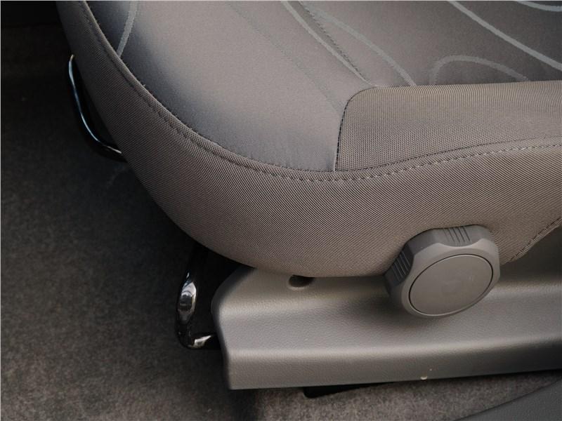 Ravon R2 2016 переднее кресло