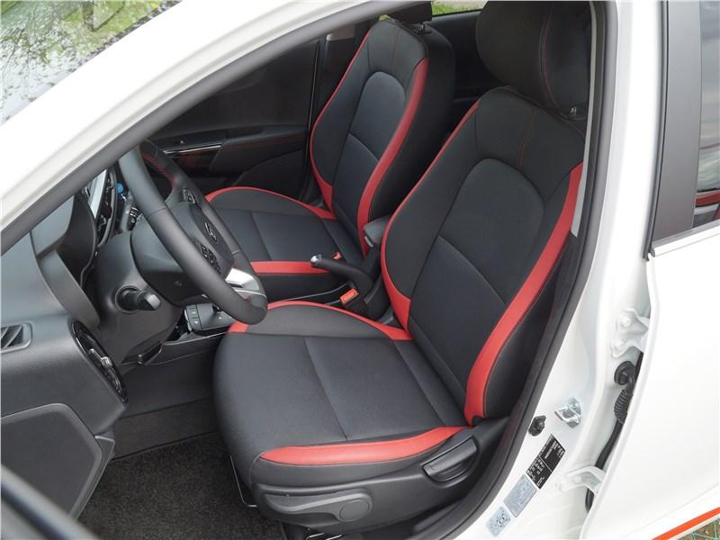 Kia Picanto 2017 передние кресла