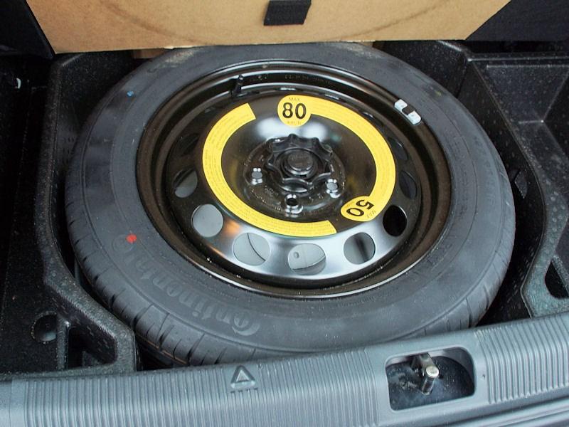 Skoda Yeti 2013 запасное колесо