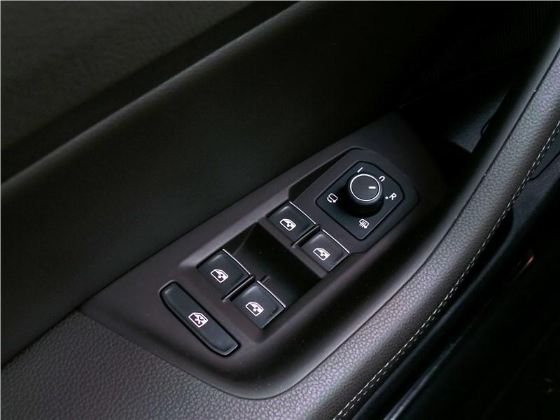 Volkswagen Passat Alltrack 2016 клавиши электростеклоподъемников