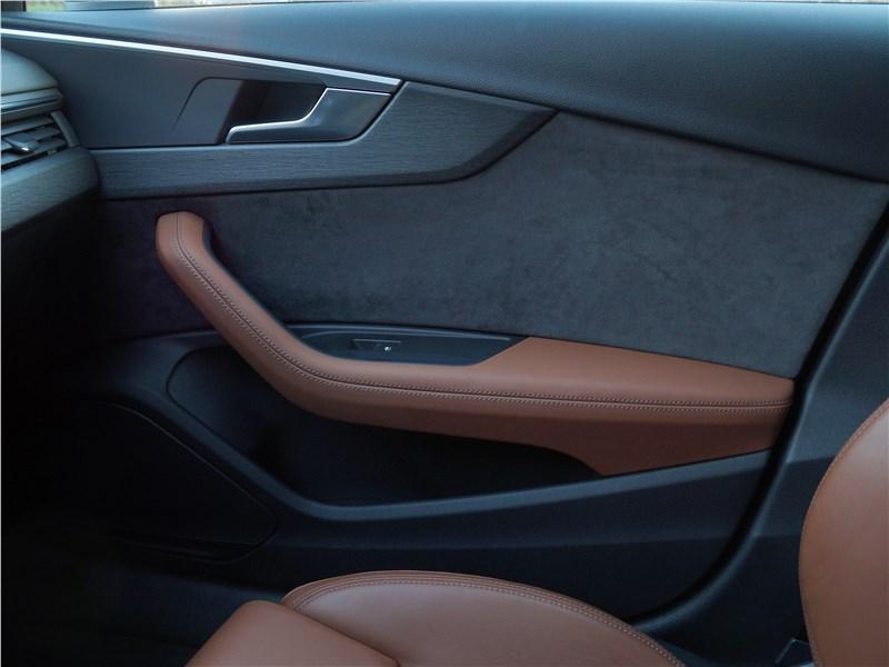 Audi A4 allroad quattro 2016 дверь