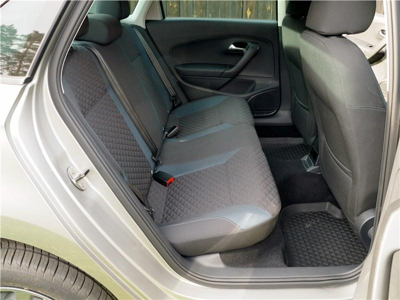Volkswagen Polo Sedan 2016 задний диван