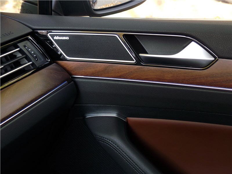 Volkswagen Passat 2015 отделка