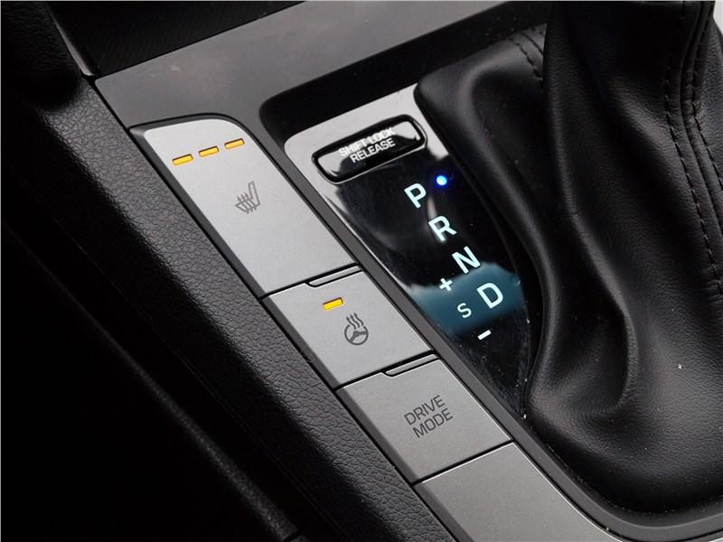 Hyundai Elantra 2019 подогрев передних сидений
