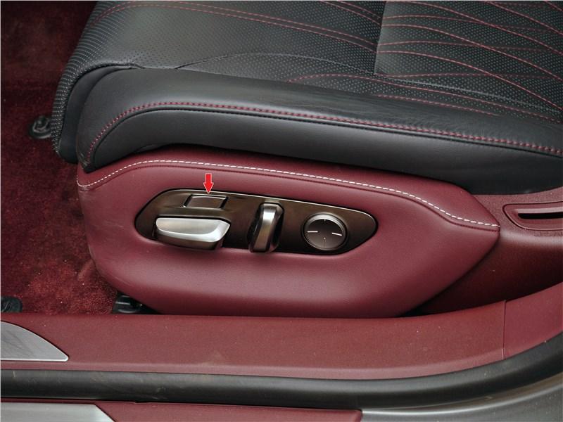 Lexus LS 500 2018 передние кресла