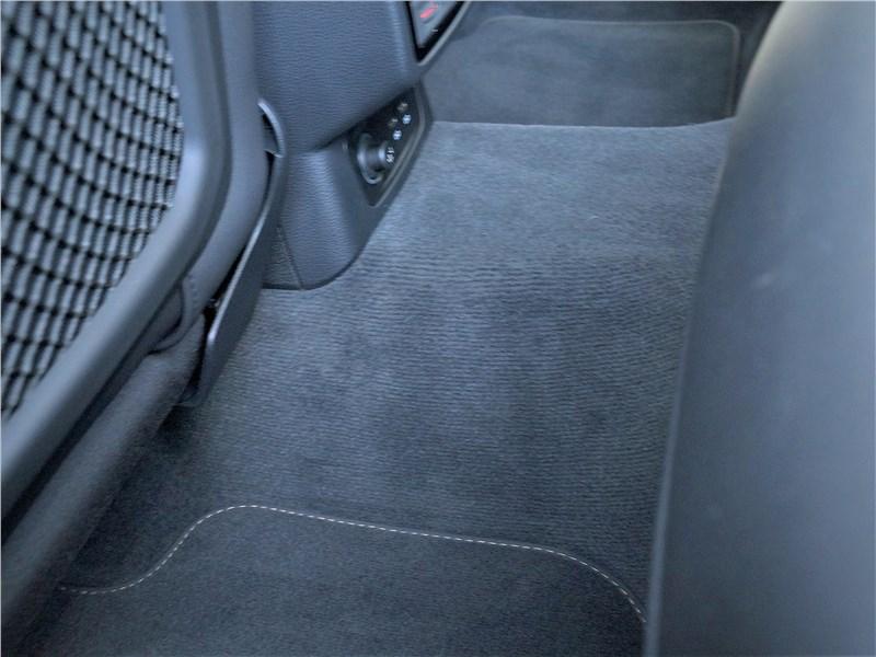 Audi Q3 2019 второй ряд