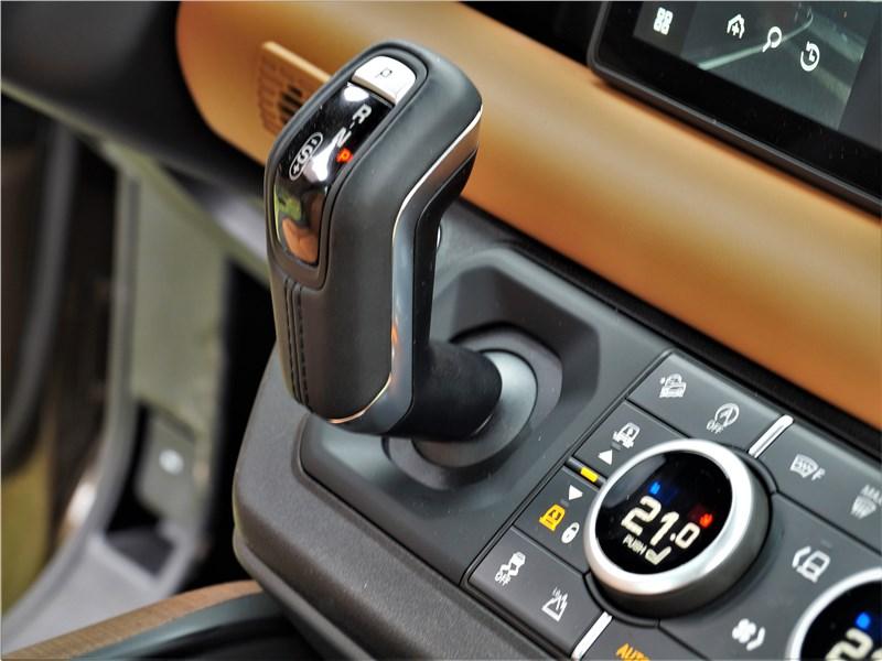 Land Rover Defender 90 (2020) органы управления