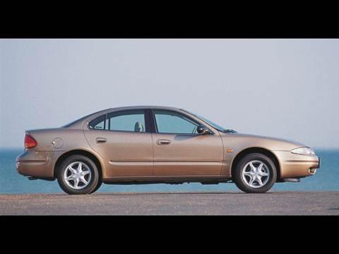 Ford Taurus, Chevrolet Alero, Chrysler Sebring
