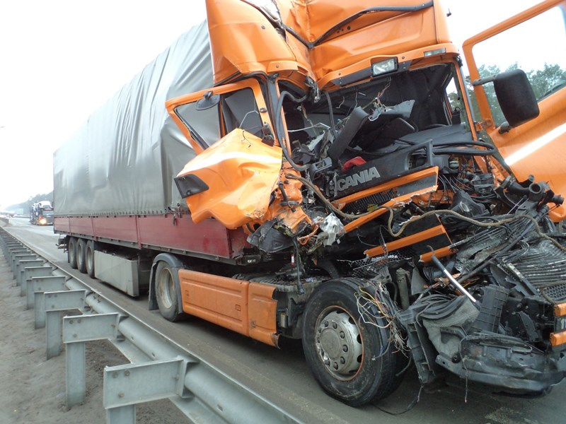 Названа причина всех ДТП с грузовиками